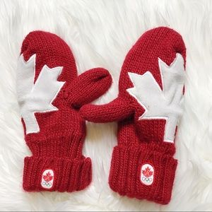 Canada Olympics Red White Maple Leaf Knit Mittens